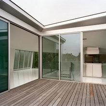 Фотография: Балкон, Терраса в стиле Современный, Декор интерьера, Дом, Дома и квартиры, Архитектурные объекты – фото на InMyRoom.ru
