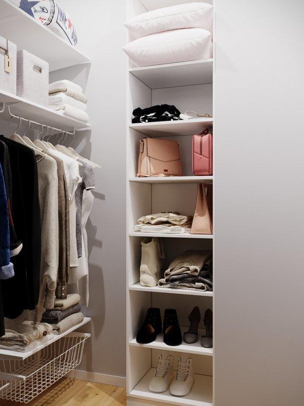 Фотография: Гардеробная в стиле Минимализм, Советы, Стеновые панели, хранение вещей, хранение вещей в маленькой квартире, однокомнатная квартира, однушка, 1 комната, Kronospan – фото на INMYROOM