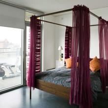 Фотография: Спальня в стиле Современный, Квартира, Дома и квартиры, Лондон, Панорамные окна – фото на InMyRoom.ru