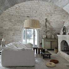 Фотография: Гостиная в стиле Кантри, Дом, Италия, Дома и квартиры, Балки – фото на InMyRoom.ru