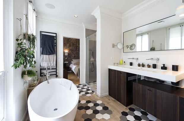 Фотография: Ванная в стиле Эклектика, Декор интерьера, Квартира, Париж – фото на INMYROOM