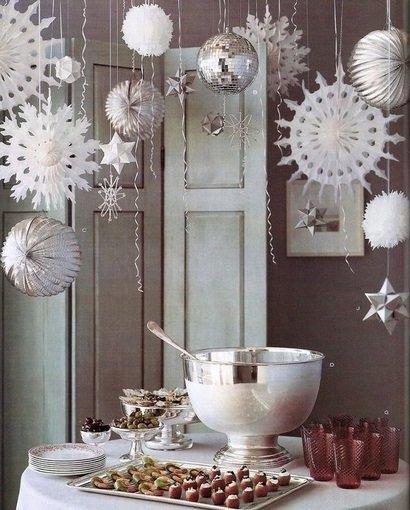 Фотография:  в стиле , Декор интерьера, DIY, Новый Год, как оформить домашнюю вечеринку, новогоднее оформление интерьера – фото на InMyRoom.ru