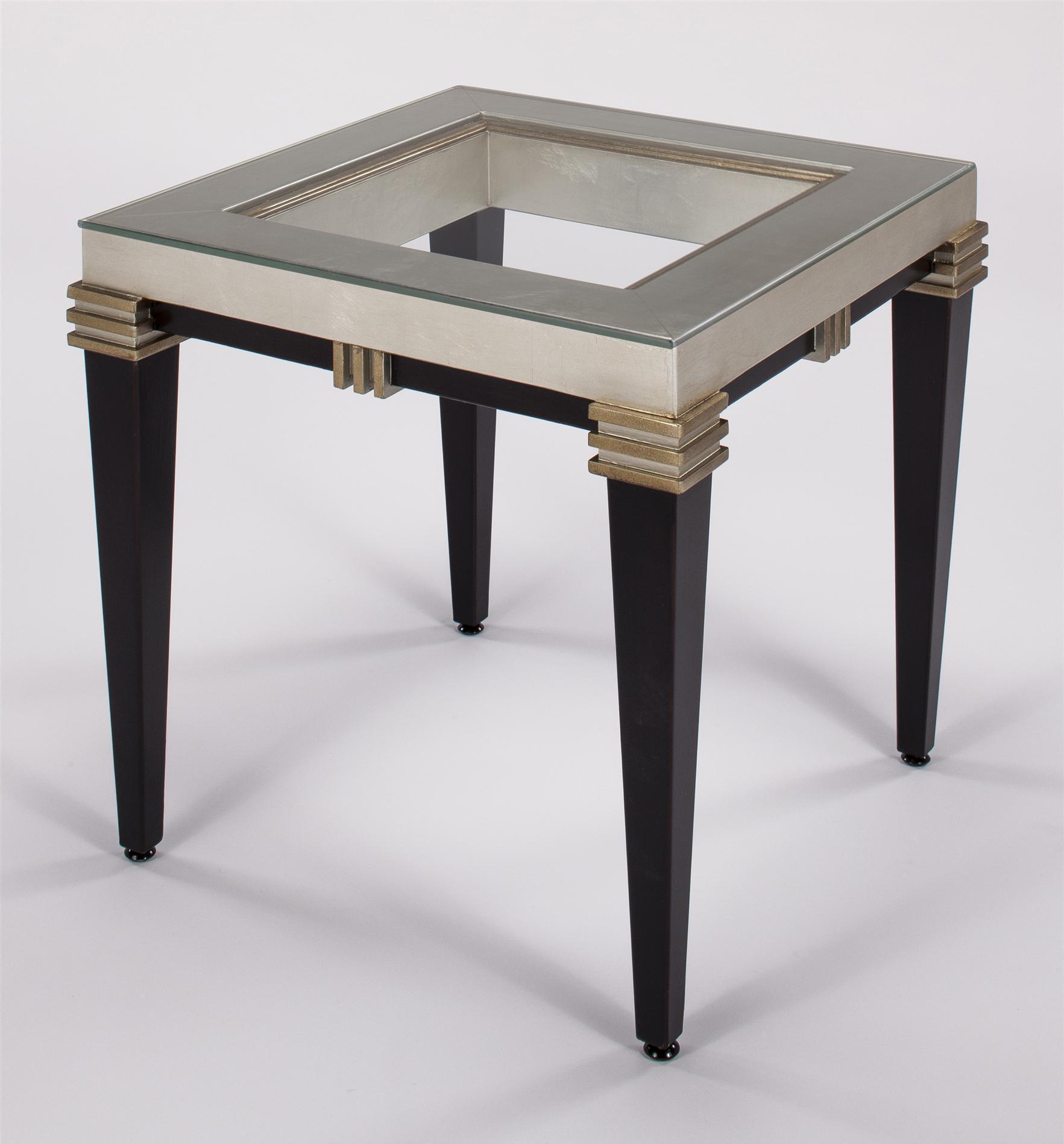 Журнальный стол квадратный с прозрачной столешницей из стеклом
