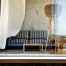 Фотография: Гостиная в стиле Современный, Декор интерьера, Дом, Дома и квартиры, Архитектурные объекты – фото на InMyRoom.ru