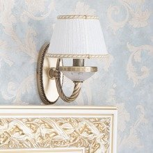 Фотография: Мебель и свет в стиле Классический, Спальня, Декор интерьера, Интерьер комнат, Проект недели – фото на InMyRoom.ru