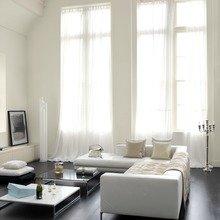 Фотография: Гостиная в стиле Современный, Декор интерьера, Дизайн интерьера, Цвет в интерьере, Белый, Dulux, Краска – фото на InMyRoom.ru