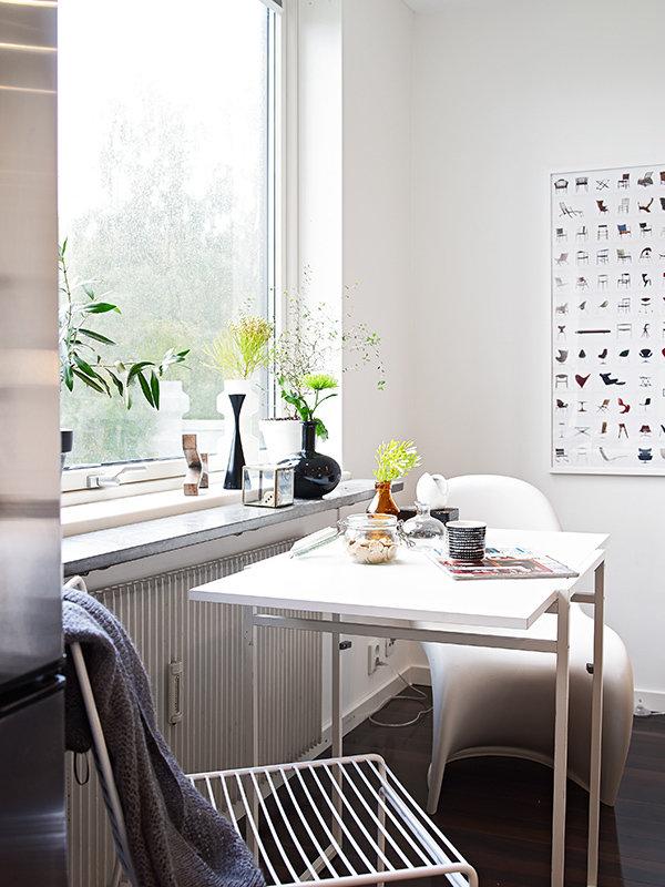Фотография: Кухня и столовая в стиле Скандинавский, Современный, Декор интерьера, Малогабаритная квартира, Квартира, Швеция, Дома и квартиры – фото на InMyRoom.ru