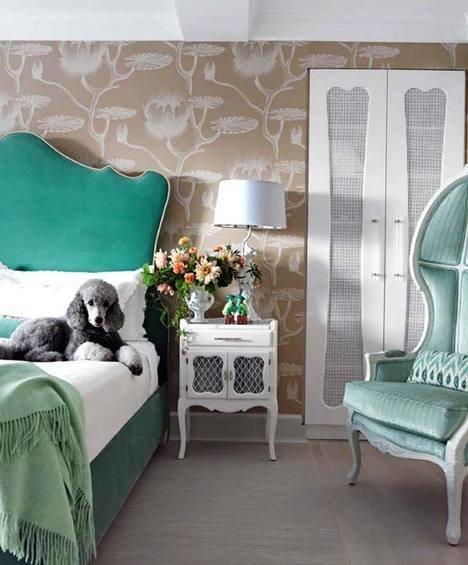 Декор и аксессуары в спальной комнате