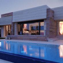 Фотография: Архитектура в стиле , Дом, Цвет в интерьере, Дома и квартиры, Бассейн, Мадрид, Коричневый – фото на InMyRoom.ru