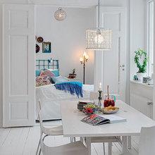 Фотография: Спальня в стиле Скандинавский, Декор интерьера, Малогабаритная квартира, Квартира, Швеция, Цвет в интерьере, Дома и квартиры, Белый – фото на InMyRoom.ru