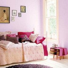 Фотография: Спальня в стиле Кантри, Декор интерьера, Дизайн интерьера, Цвет в интерьере, Красный, Dulux, Розовый – фото на InMyRoom.ru
