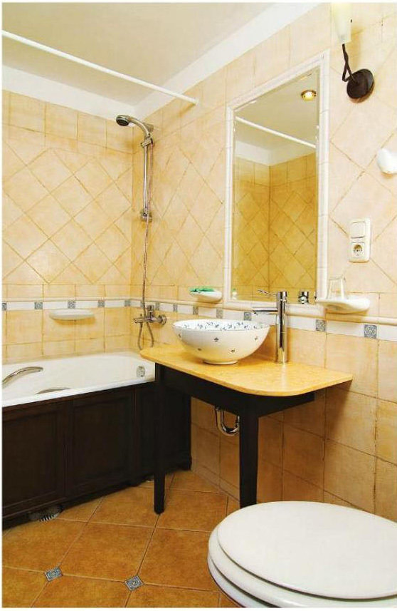 Фотография: Ванная в стиле Прованс и Кантри, Малогабаритная квартира, Интерьер комнат, Советы – фото на InMyRoom.ru