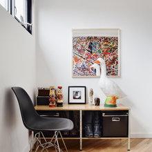 Фотография: Прихожая в стиле Современный, Минимализм, Декор интерьера, Дом, Цвет в интерьере, Дома и квартиры, Белый, Картина – фото на InMyRoom.ru