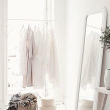 Фотография: Спальня в стиле Скандинавский, Декор интерьера, Малогабаритная квартира, Квартира, Советы – фото на InMyRoom.ru