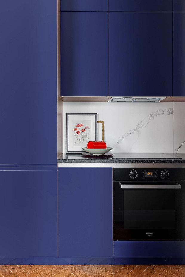 Фотография: Кухня и столовая в стиле Современный, Эклектика, Квартира, Проект недели, Москва, Сталинка, 2 комнаты, 40-60 метров, Ксения Мезенцева – фото на INMYROOM