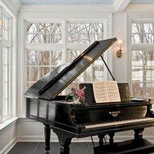 Фотография: Прочее в стиле Кантри, Балкон, Интерьер комнат, Камин, Большие окна – фото на InMyRoom.ru