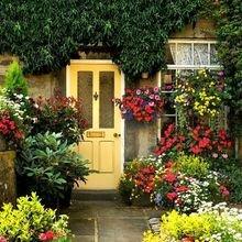 Фотография: Флористика в стиле , Дом, Дома и квартиры, Двери – фото на InMyRoom.ru