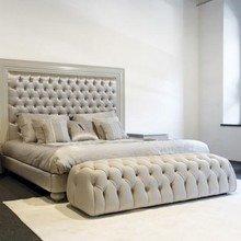 Фотография: Спальня в стиле Классический, Минимализм, Декор интерьера, Мебель и свет – фото на InMyRoom.ru