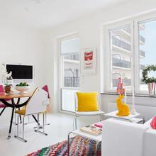 Фотография: Гостиная в стиле Современный, Скандинавский, Малогабаритная квартира, Квартира, Цвет в интерьере, Дома и квартиры – фото на InMyRoom.ru