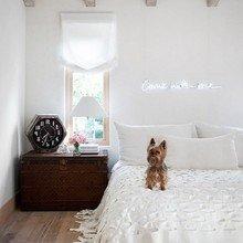 Фотография: Спальня в стиле Скандинавский, Декор интерьера, Мебель и свет, Подсветка, Неон – фото на InMyRoom.ru