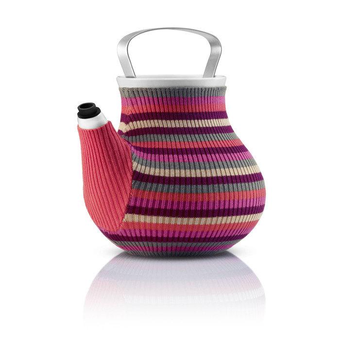 Заварочный чайник в вязаном чехле, розовый
