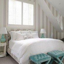 Фотография: Спальня в стиле Классический, Декор интерьера, Дом, Интерьер комнат, Мебель и свет – фото на InMyRoom.ru