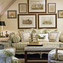 Фотография: Гостиная в стиле Кантри, Восточный, Классический, Декор интерьера, Декор дома, Картины – фото на InMyRoom.ru