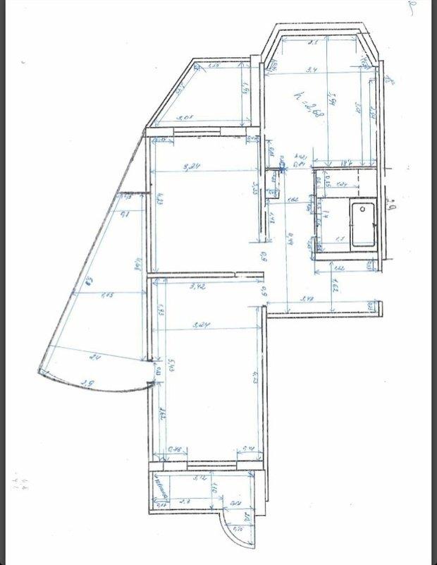 гостиная с 3 дверями