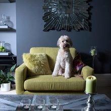 Фотография: Гостиная в стиле Эклектика, Декор интерьера, Мебель и свет, Декор дома, Кресло – фото на InMyRoom.ru