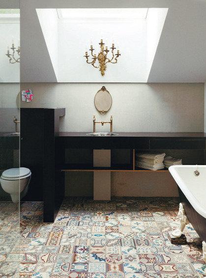 Фотография: Ванная в стиле Прованс и Кантри, Эклектика, Дом, Дома и квартиры – фото на InMyRoom.ru