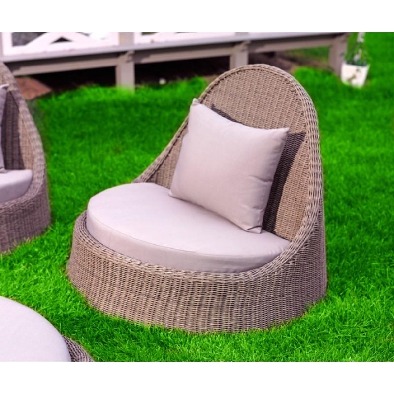 Кресло магнолия с нежно серыми подушками