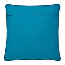 Подушка Eichholtz Pillow Osbourne выполнена из ткани голубого цвета 50х50 см