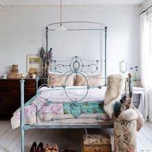 Фотография: Спальня в стиле Кантри, Современный, Квартира, Дома и квартиры, Советы, Стены, Подушки, Ремонт на практике – фото на InMyRoom.ru