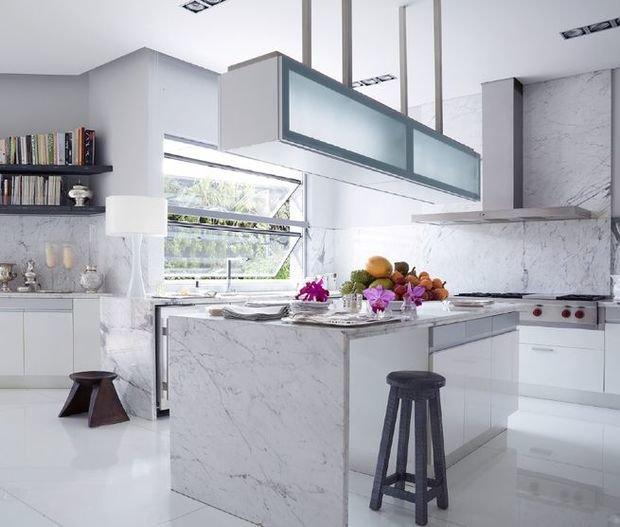 Фотография: Кухня и столовая в стиле Современный, Гид, Жан-Луи Денио – фото на InMyRoom.ru