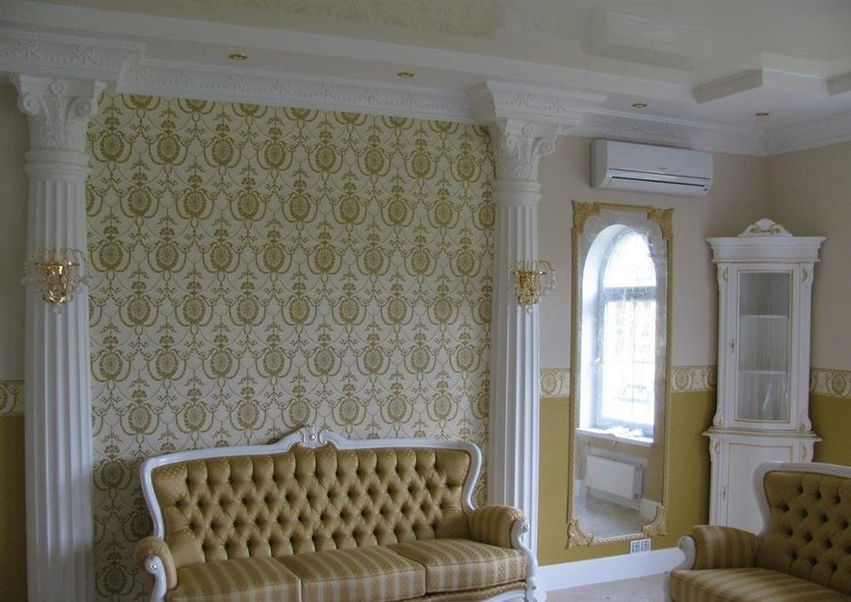 Фотография: Декор в стиле Классический, Декор интерьера, Дом, Мебель и свет, Полки, Лепнина – фото на InMyRoom.ru
