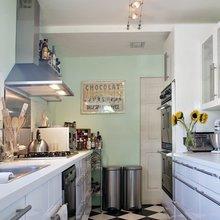 Фотография: Кухня и столовая в стиле Скандинавский, Интерьер комнат, Полки – фото на InMyRoom.ru