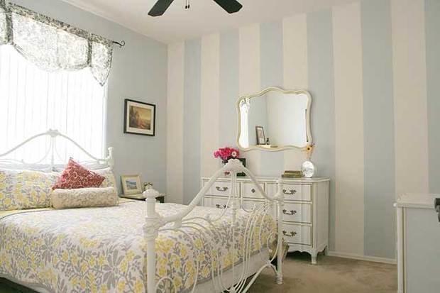 Фотография: Спальня в стиле Прованс и Кантри, Малогабаритная квартира, Интерьер комнат, Советы, Зеркала – фото на InMyRoom.ru