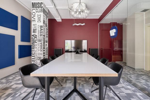 Фото из портфолио Офис Warner Music Russia – фотографии дизайна интерьеров на INMYROOM