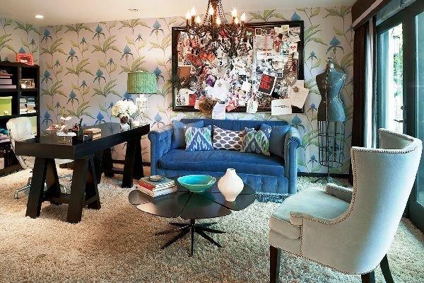 Фотография: Гостиная в стиле Эклектика, Декор интерьера, Декор дома, Цвет в интерьере, Геометрия в интерьере – фото на InMyRoom.ru