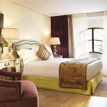 Фотография: Спальня в стиле , Франция, Дома и квартиры, Городские места, Отель – фото на InMyRoom.ru