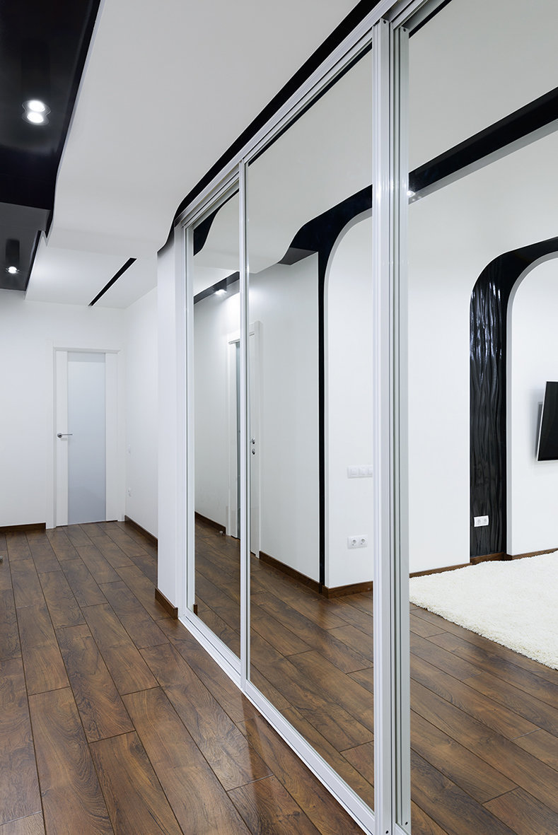 Фотография: Прихожая в стиле Хай-тек, Квартира, Цвет в интерьере, Дома и квартиры, Белый – фото на InMyRoom.ru