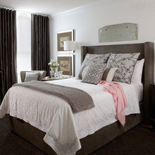 Фотография: Спальня в стиле Классический, Декор интерьера, Канада, Текстиль, Интерьер комнат, Мебель и свет, Переделка, Подушки – фото на InMyRoom.ru