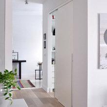 Фотография: Прихожая в стиле Скандинавский, Современный, Декор интерьера, Квартира, Цвет в интерьере, Дома и квартиры, Бежевый – фото на InMyRoom.ru
