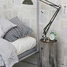 Фотография: Спальня в стиле Лофт, Скандинавский, Интерьер комнат, Кровать, Гардероб, Комод, Пуф, Табурет – фото на InMyRoom.ru