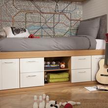 Фото из портфолио зонирование со спальным местом и зонирование жилой комнаты – фотографии дизайна интерьеров на INMYROOM