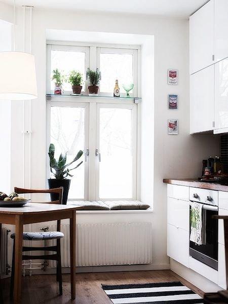 Фотография: Кухня и столовая в стиле Скандинавский, Декор интерьера, Декор дома, Кухонный остров – фото на InMyRoom.ru