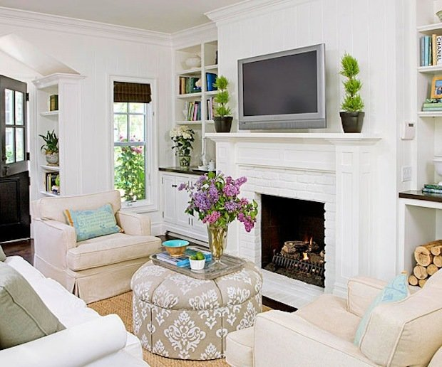 Фотография: Гостиная в стиле Прованс и Кантри, Декор интерьера, Малогабаритная квартира, Квартира, Интерьер комнат, Декор, Мебель и свет, Советы, дизайн гостиной, идеи для гостиной, маленькая гостиная, как увеличить маленькую гостиную, идеи для маленькой гостиной, мебель для маленькой гостиной, планировка маленькой гостиной – фото на InMyRoom.ru