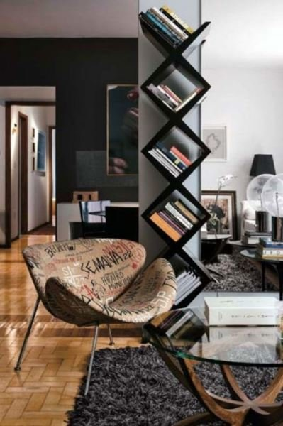 Фотография: Гостиная в стиле Современный, Декор интерьера, Декор, Домашняя библиотека, как разместить книги в интерьере, книги в интерьере – фото на InMyRoom.ru