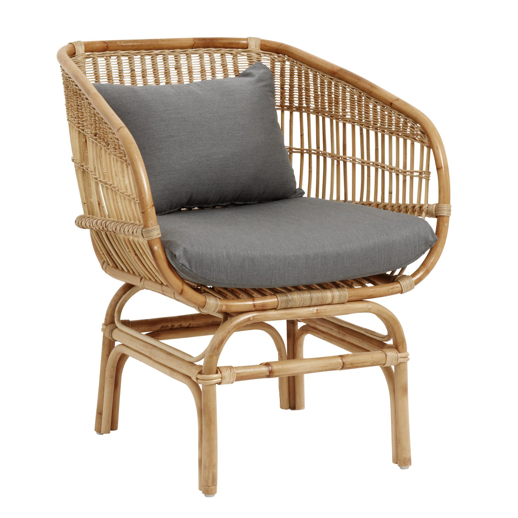 Кресло из ротанга с мягким сиденьем и подушкой