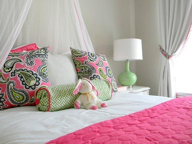 Фотография: Спальня в стиле Прованс и Кантри, Современный, Декор интерьера, Декор дома, Ковер – фото на InMyRoom.ru